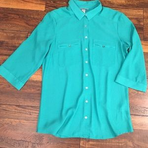 Green H&M Button Down 3/4 Sleeve Blouse
